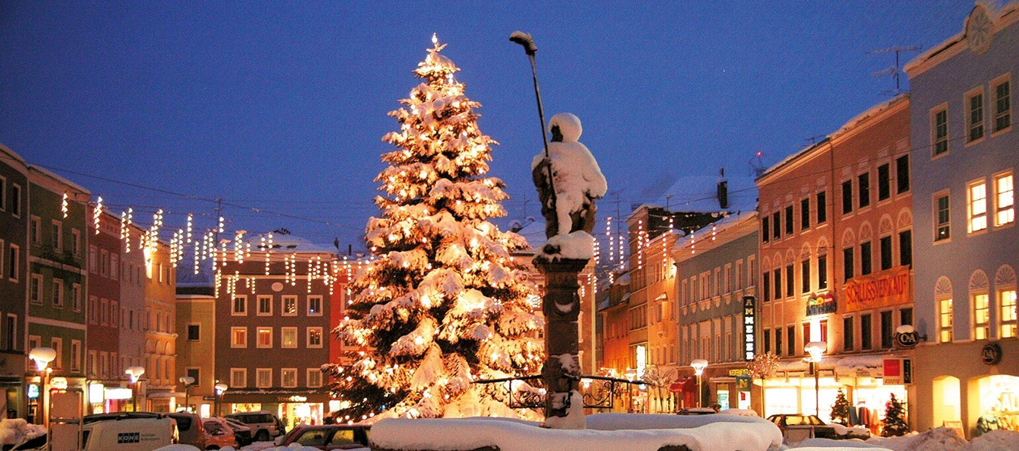 Schnee am Hauptplatz in Ried