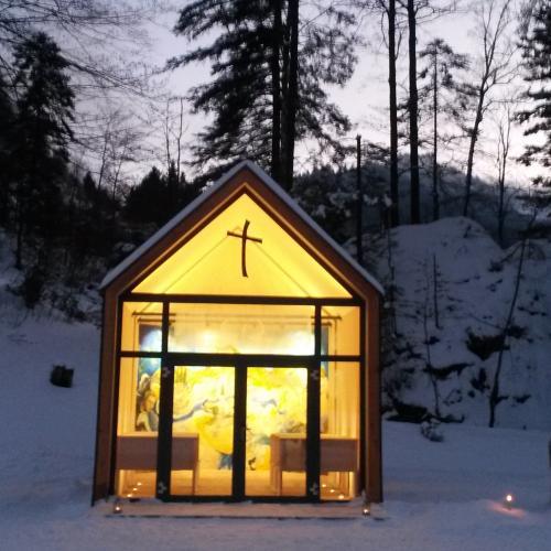 Joseph-Mohr Gedächtniskapelle bei Nacht